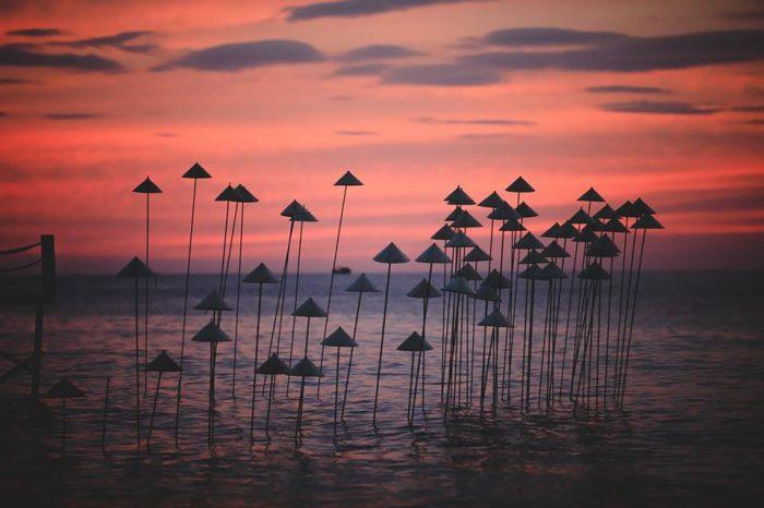 """Trải nghiệm ngắm hoàng hôn tại bải biển """"SUNSET SANATO BEACH CLUB"""" Phú Quốc."""